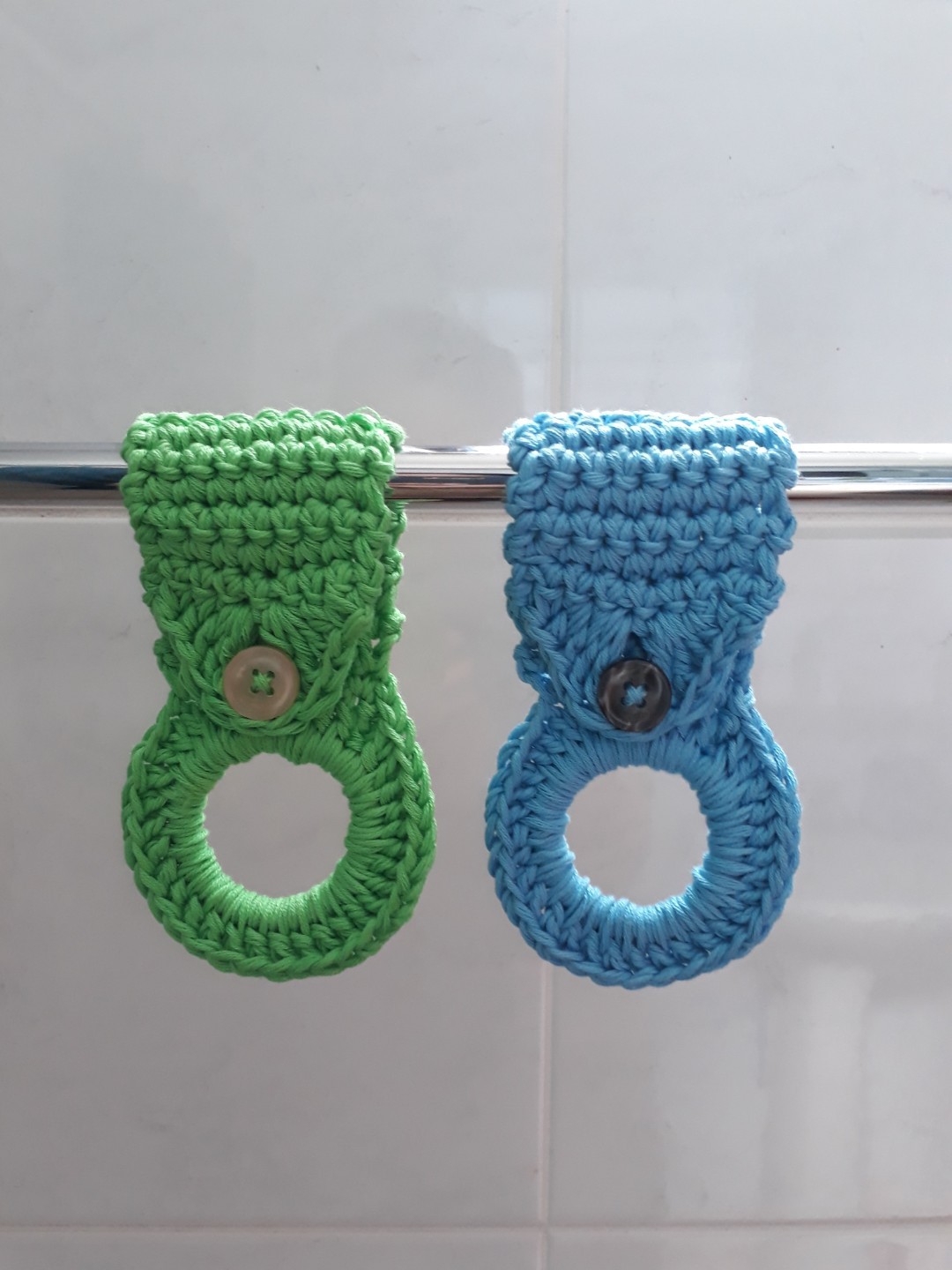 Crochet towel holder, Home Appliances, Kitchenware on Carousell