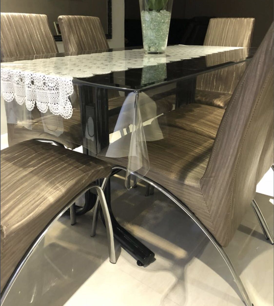 Dining Table With 6 Chairs Furniture Tables Chairs On Carousell