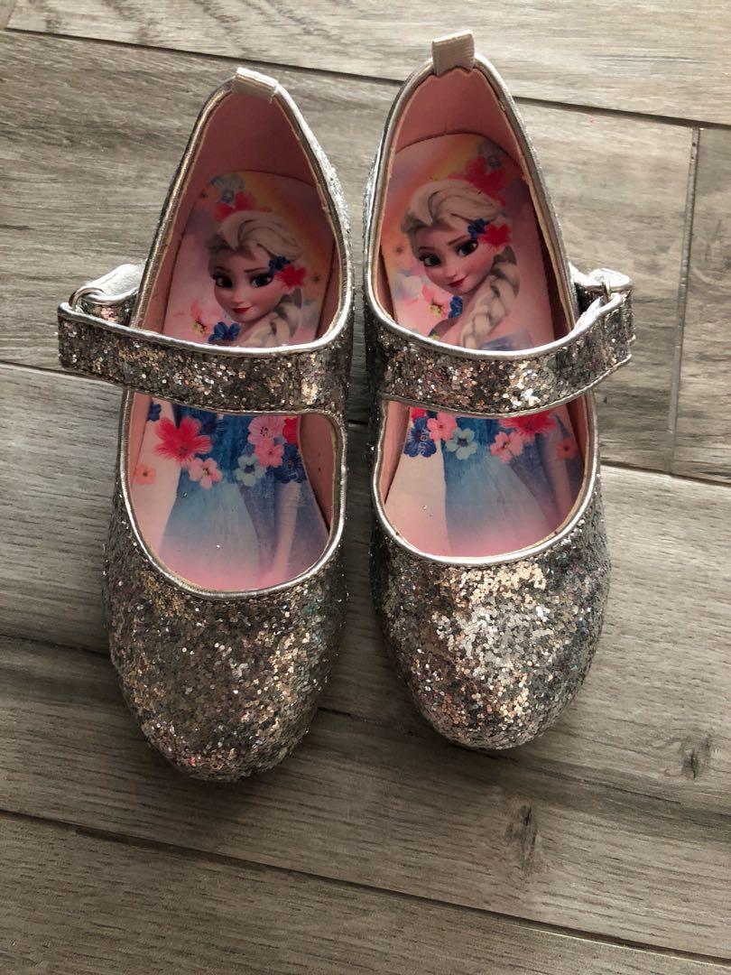 7cb7851b9b894 H&M Girls Frozen Silver Glitter Shoes, Babies & Kids on Carousell