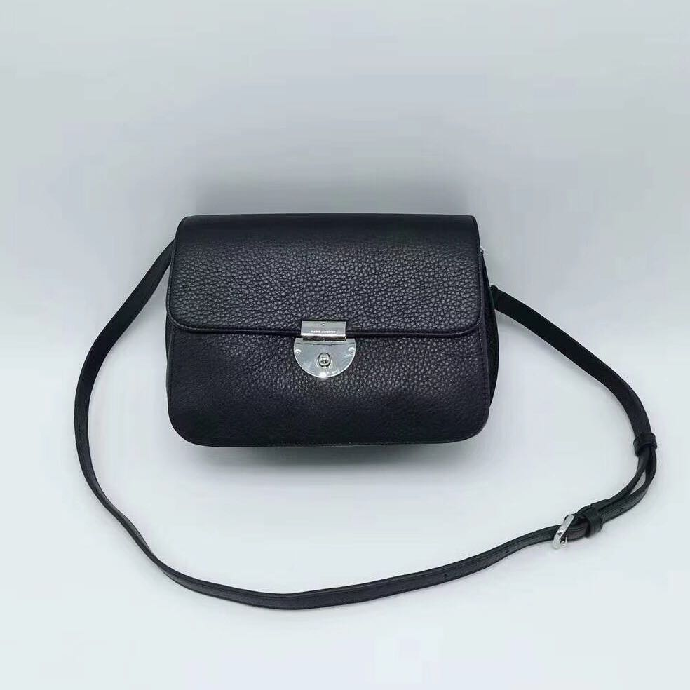 e5f0a17f8ac9 Marc Jacobs  SALE