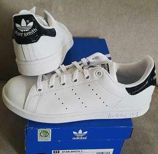"Adidas Stan Smith ""Black Hologram Tab"""