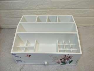 🚚 鄉村風保養品收納盒(完美無缺)