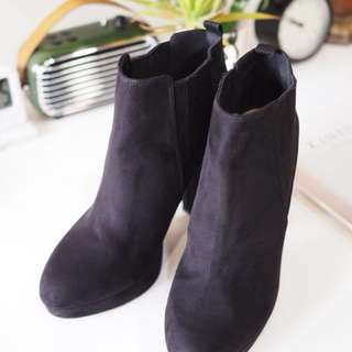 🚚 H&M 高跟踝靴