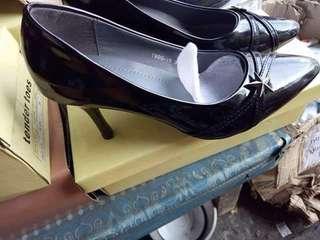 Parsian shoes