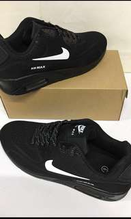 Men's Black Air max trainers