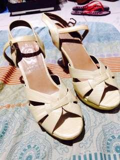 Brandnew missi sandals