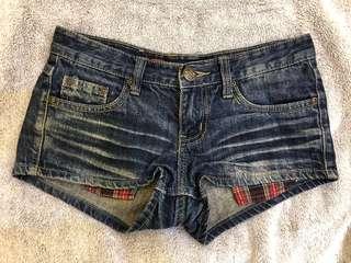 🚚 牛仔熱褲