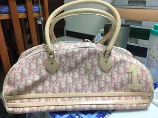 Dior粉色包