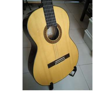 Yamaha Classical Guitar -  Model: CG-151s (Solid Top) w bag