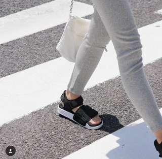 🚚 正品 adidas SANDAL 日韓熱賣款 38號 黑色款