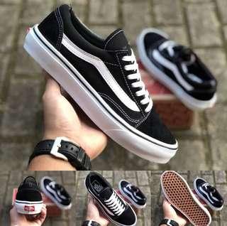 Vans Old Black White