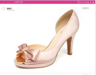 🚚 Daphne/達芙妮春款中空高跟鞋時尚優雅甜美蝴蝶結細跟魚嘴女單鞋 全網最低價