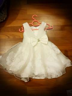 Super Sale! Cute baby White dress  (adjuatable size 6 to 1 yr)