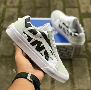 Vans old skoll logo trune 100% original BNIB