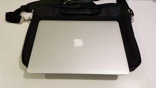 2012 Macbook Air 13吋 4G/128G 功能正常 機子9成新附電腦包
