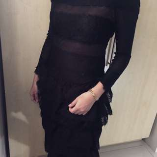 Laced Black Oscar De la Renta Dress