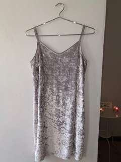 Velvety material grey dress
