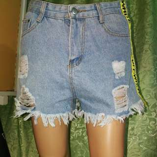 High Waist Off-White Denim Shorts 27-28