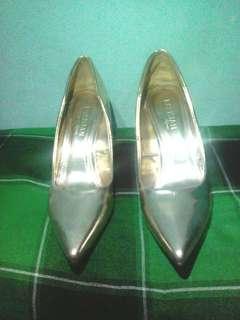 Parisian Elegance Heels - (SACRIFICE SALE!)