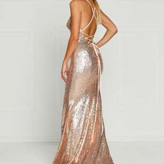 Looking TO BUY this dress