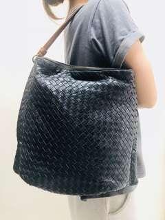 Bottega Veneta 手袋 *大約 w35cm x h30cm *80%新 *內格細袋有少許破爛如圖 *無包裝