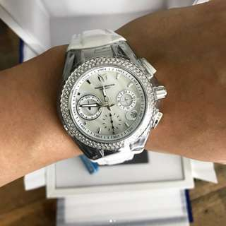 Technomarine  Love White Diamond Dials 40mm