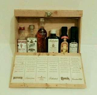 绝版珍藏:精裝木盒酒辦 (1套6支)  #超值歲月收藏品#
