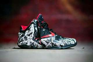 READY LEBRON 11 GRAFFITI