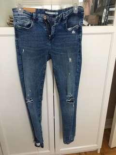 Zara Trafaluc ripped booty jeans