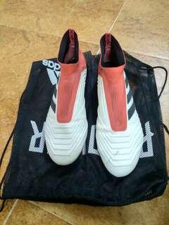 Soccer Adidas Predator 18+ FG (Almost new)