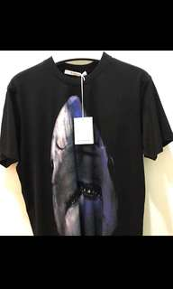 🎉🛍 RAYA SALE!! Authentic GIVENCHY SHARK Tee