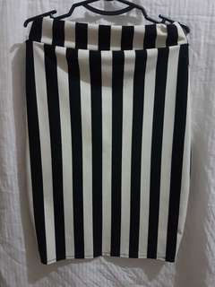 Black&white stripe pencil cut skirt