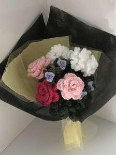 1/2dozen of Mix crochet bouquet - roses n carnations