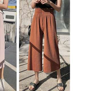 Loose brown culottes pants