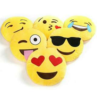 🔥INSTOCK🔥💯🆕😊Emoji Cushion*Heart eyes