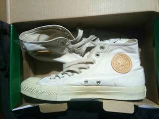 Chuck Taylor All Star Leather Hi Top in White