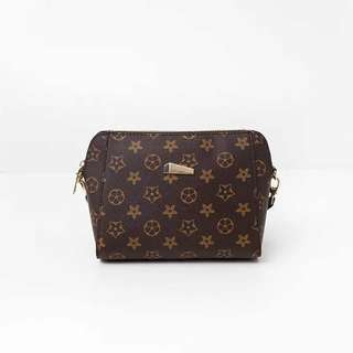 Lv sling bag  💰360  Thick Leather Size:10x7x3 inches *q