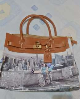 Selling my prelove bag made from Italy