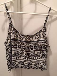 Forever 21 black and white crop tank top size medium