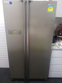 Samsung 2-door Fridge, Capacity 551 L, Model: RS21HNEPN MUSLIM OWNED