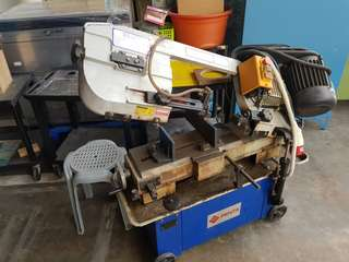Band saw for metal
