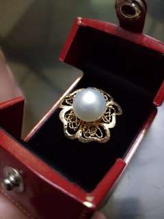 SELLING LOW! 14K ITALIAN YELLOW GOLD RING w WHITE SOUTH SEA PEARL CENTER in ORNATE FLOWER DESIGN