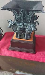 某公司珍稀青铜器紀念品