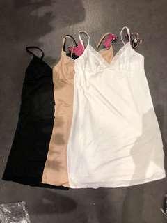 🚚 黑色膚色白色歐美雷蕾絲係肩帶長版背心洋裝內搭情趣睡衣