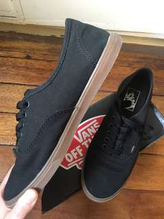 Vans Authentic Lo Pro (Gumsole Black)
