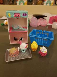 SHOPKINS 4 Dessert 1 tray 1 ice cream scoop 1 dessert station