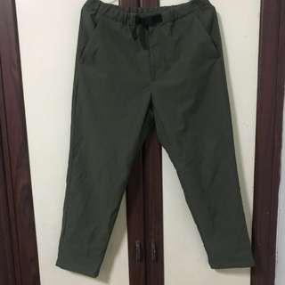 GU 墨綠色 休閒長褲