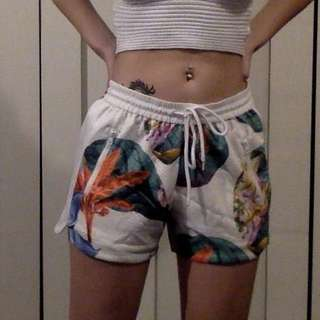 Tropical/Jungle/Nature Printed Shorts