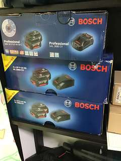 🚚 Bosch 18V Battery and charger