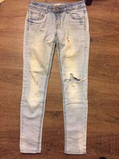 Forever 21 ripped jeans size 24